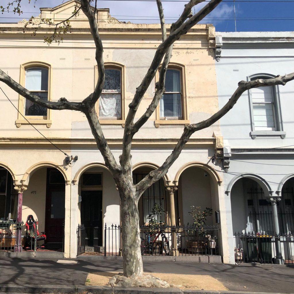 479  Queensberry Street